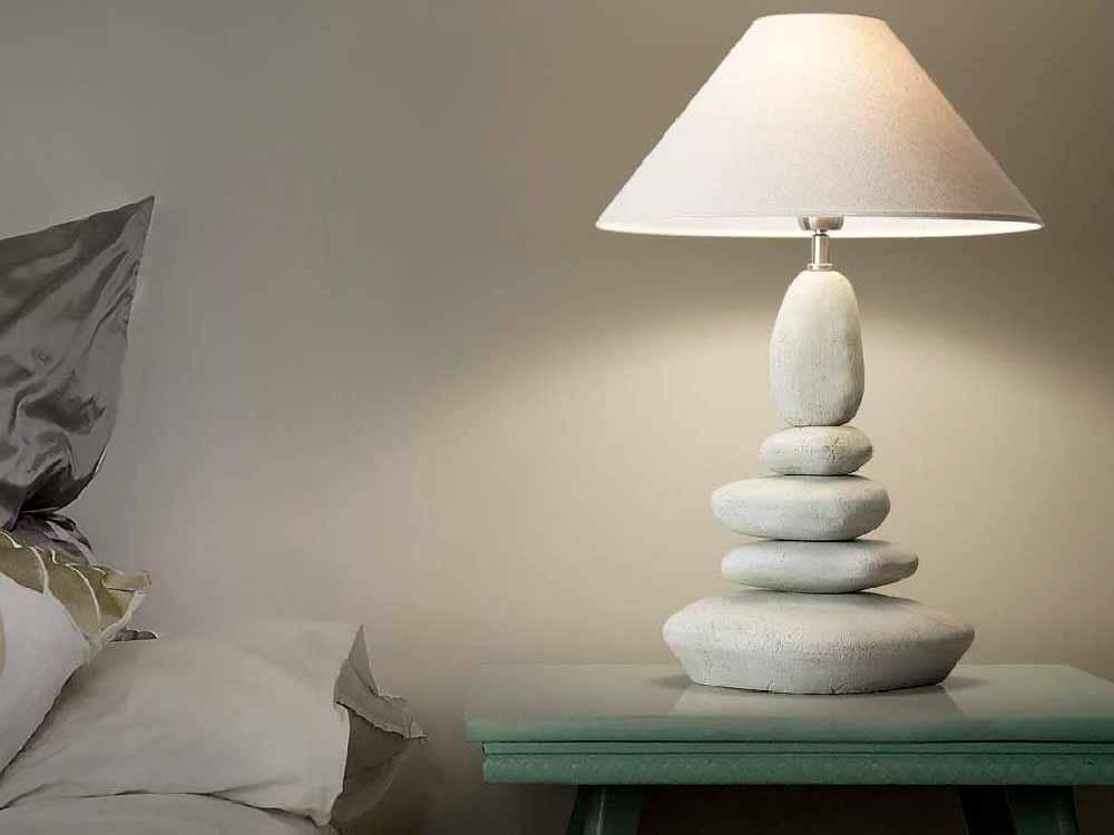 настольный светильник в спальню, освещение в спальне